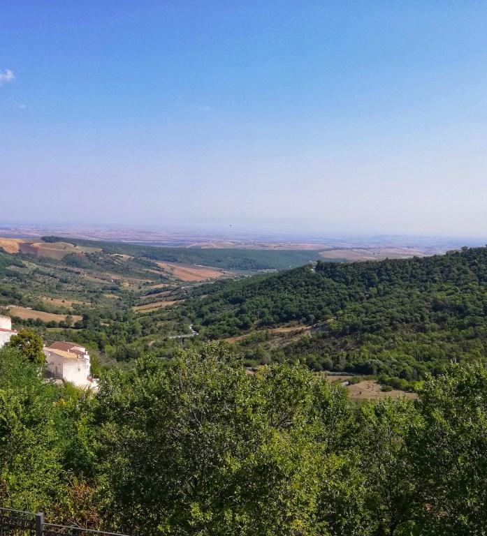 panorama da alberona uno dei borghi tra i monti dauni in puglia