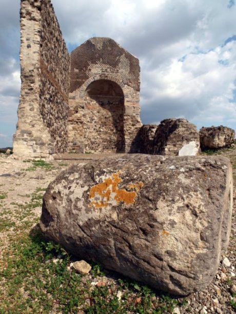 edificio-detto-laterzio-sito-archeologico-vulci