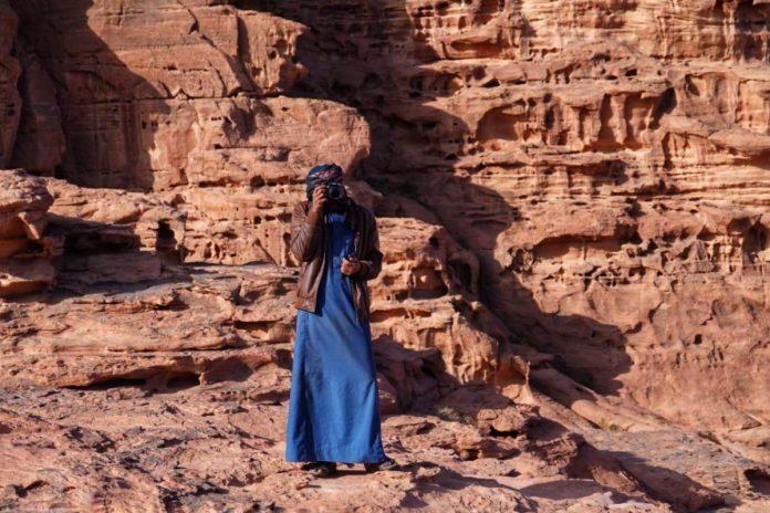 beduino che vive nel wadi rum