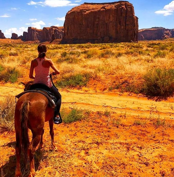 a cavallo in monument valley