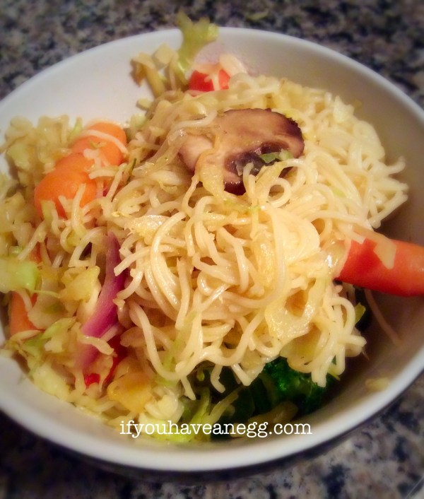 Veggie Lo Mein featuring Mi Chay noodles - only 4 Weight Watchers Points Plus!