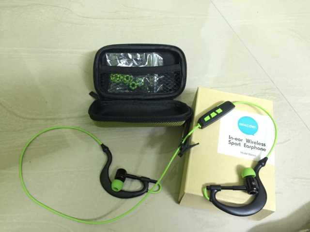 Mixcder-inear-bluetooth-headphones-pouch-unboxing