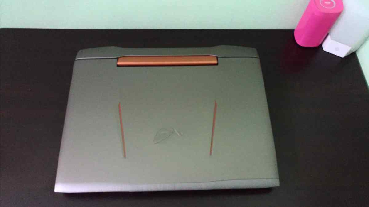 Asus ROG G752VY Review - The Mother and Father of All Gaming Notebooks! - 2