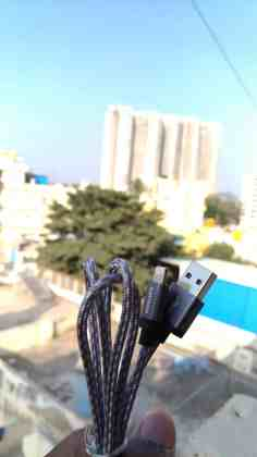 Philips Mobile Accessories - Testing Out the 13000mAh Portable Powerbank and an Apple Lightning Cable! - 9
