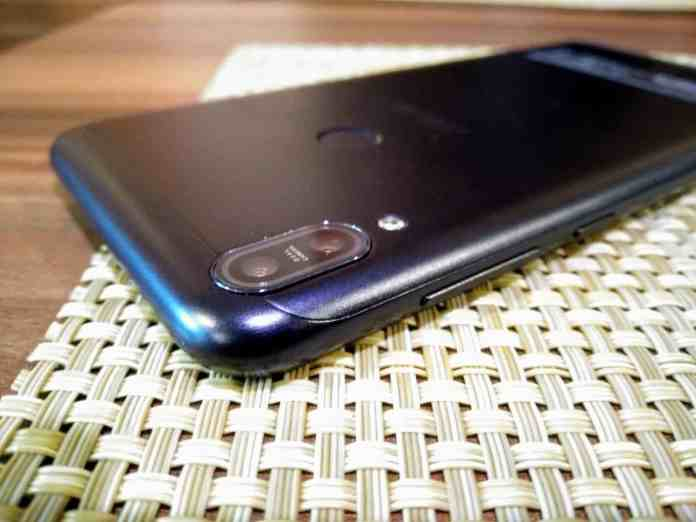 "Zenfone Max Pro (M1) Hands-On Review - ""Made for India"" Smartphone - 7"