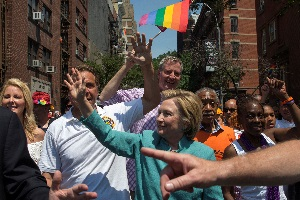 New York mayor marches shoulder to shoulder with LGBT parade