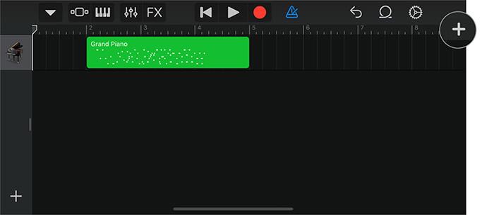 Нажмите на значок Tiny Plus в приложении GarageBand, чтобы сделать голосовую заметку на iPhone.