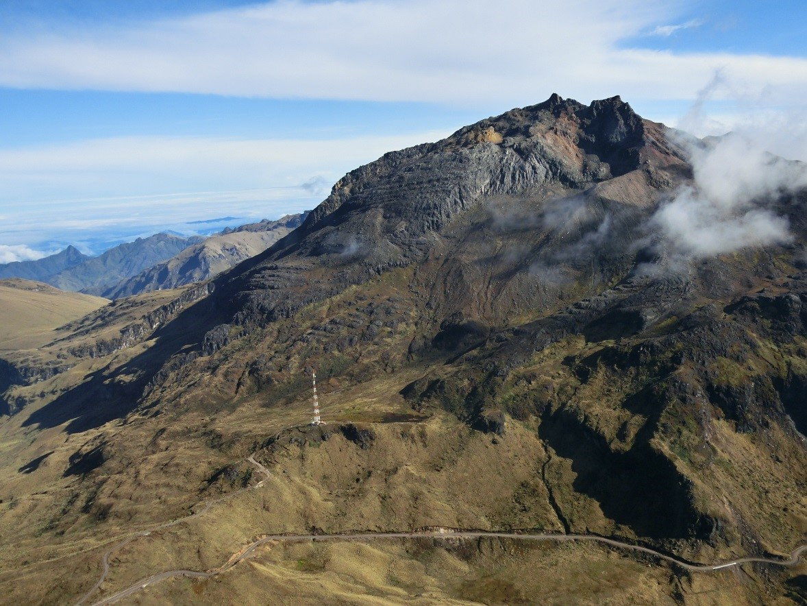 https://i1.wp.com/www.igepn.edu.ec/images/portal/noticias/volcanes/chiles20141105-4.jpg