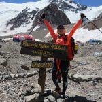 A ajuns pe cel mai înalt vârf al lumii în afara Asiei! Află ce vrea să facă pentru copiii bolnavi de cancer