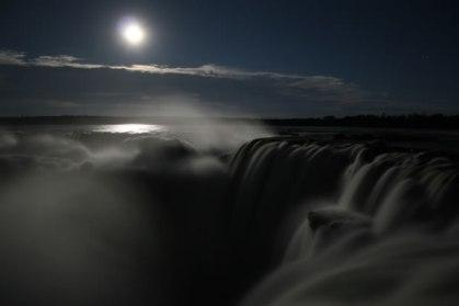 iguazu-falls-valentines-01