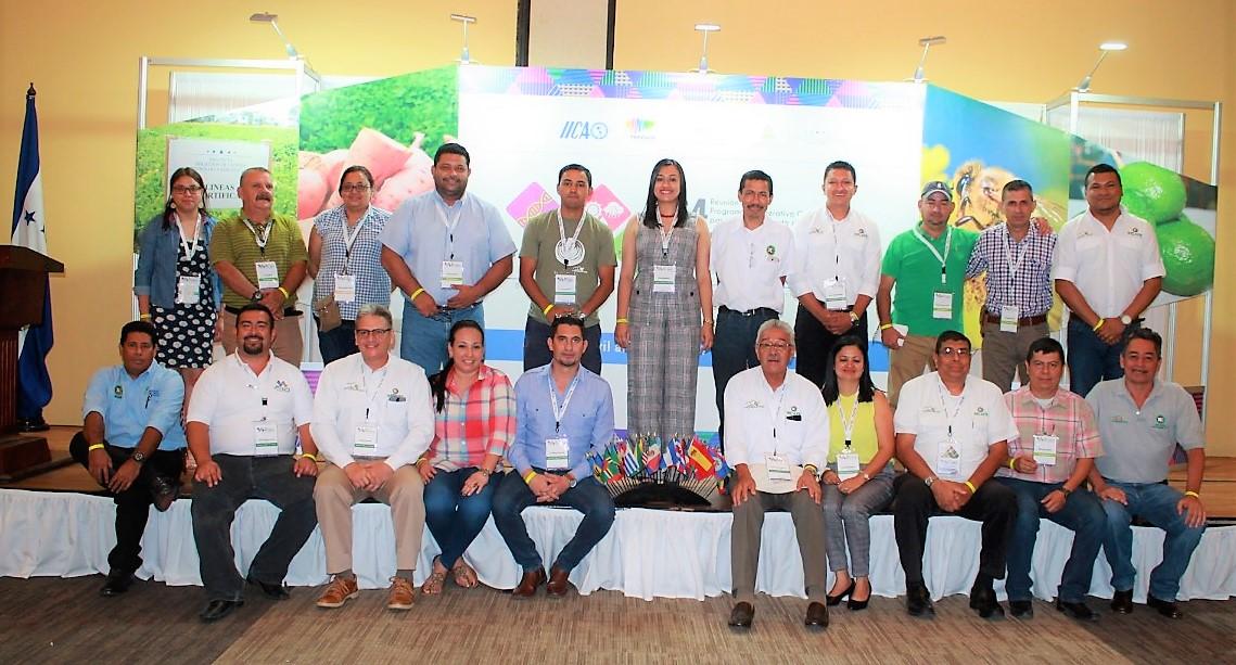 Equipo de Investigación y Desarrollo de IHCAFE en (PCCMCA) 2019