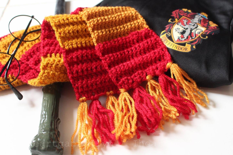 Crochet Harry Potter Gryffindor Scarf | I Heart Gantsilyo