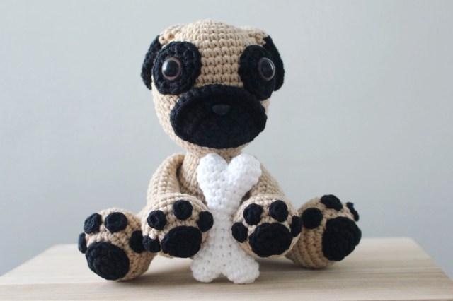 Crochet Pug Puppy I Heart Gantsilyo