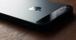 apple-sign-iphone-5