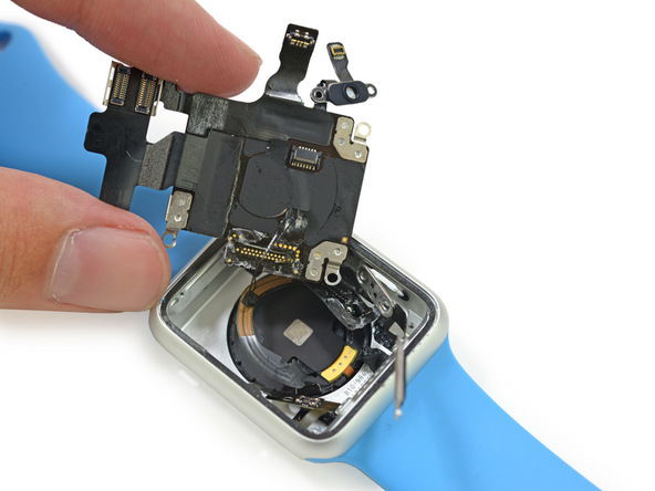 apple-watch-teardown-4-rcm948x0