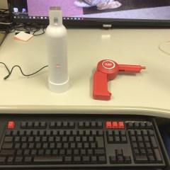 ボトル型クリーナーと充電式エアダスター