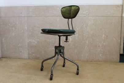 Cadeira metalica de secretaria