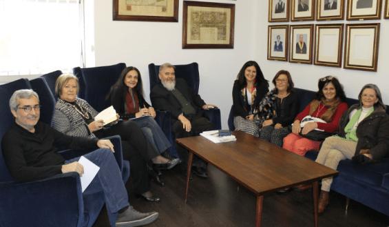 Foto da visita da Embaixadora de Cba ao IHMT