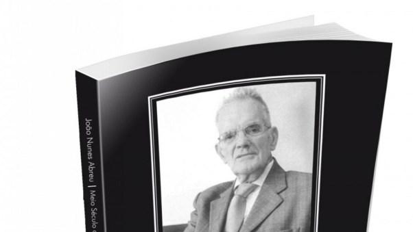 Imagem de livro com a fotografia de João Nunes de Abreu