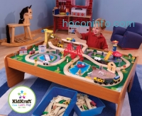 ihocon: KidKraft Ride Around Train Set and Table - 100 pieces
