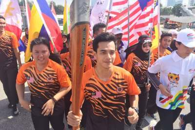 IISM Secondary – IISM Secondary's former student given the honor to as the Torch Bearer for Sea Games 2017