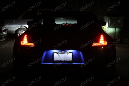 Nissan 370Z T10 LED License Plate Lights 1