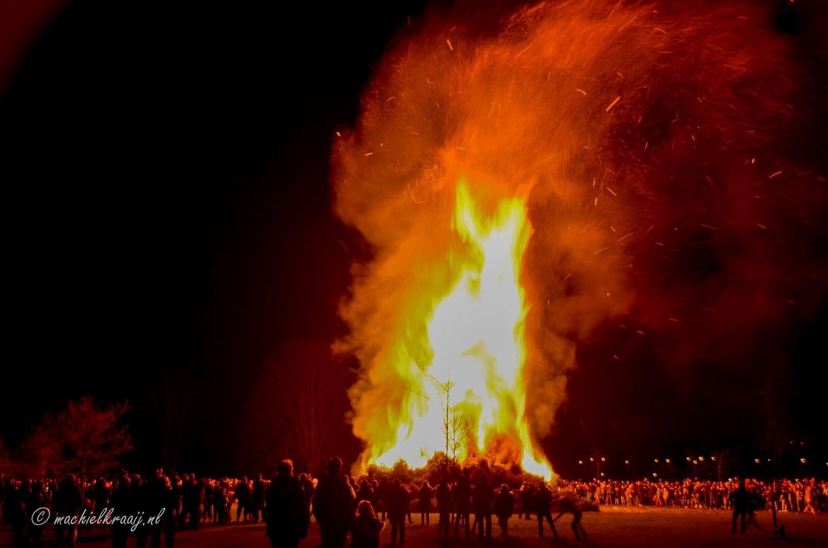 Kerstboom verbranding in Velsen