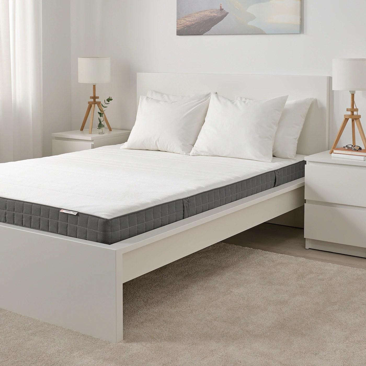 Entrambe le sue componenti, il legno e il cotone, sono materiali rinnovabili, così da. Morgedal Materasso In Schiuma Rigido Grigio Scuro 160x200 Cm Ikea Svizzera