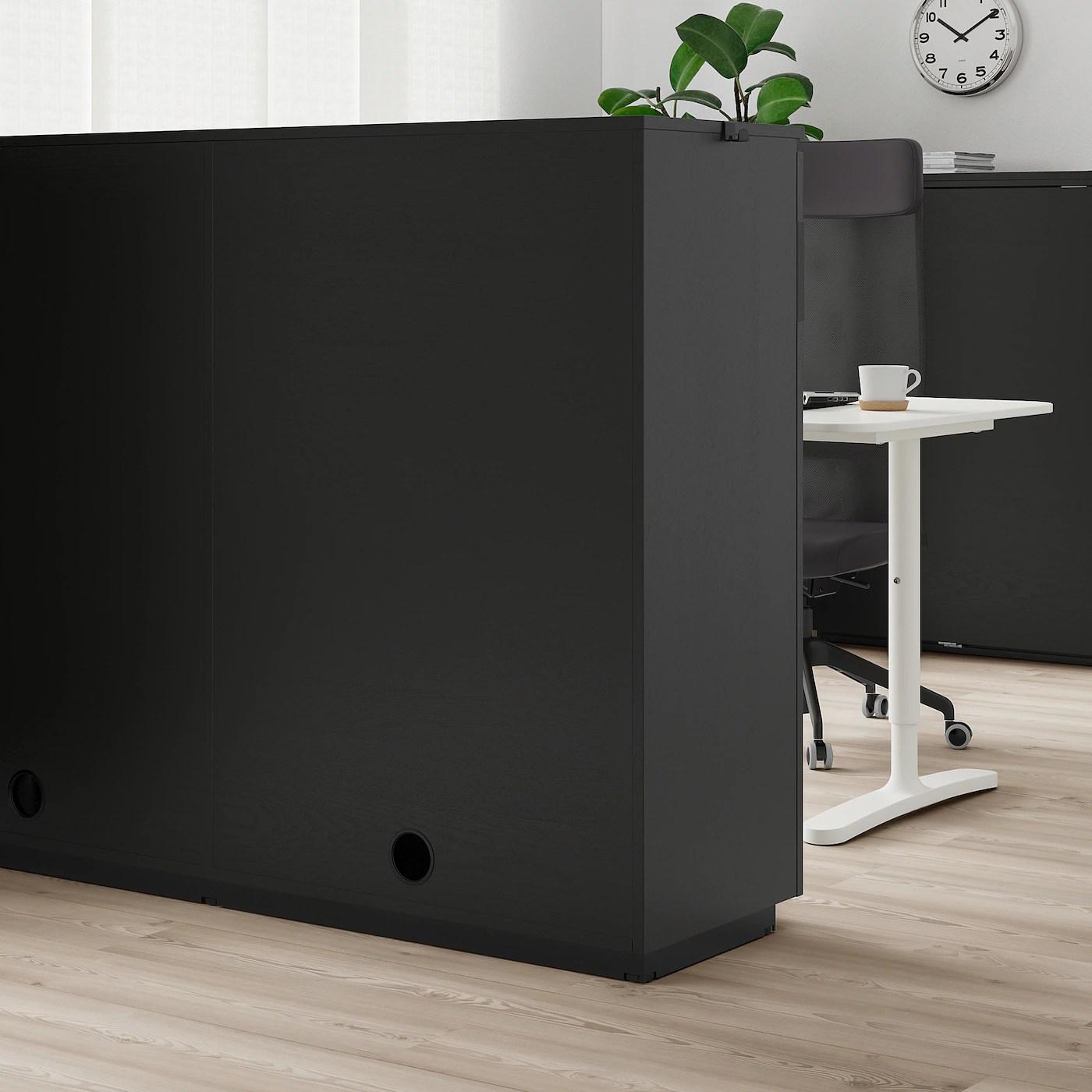 Galant Skab Med Skydedore Asketraesfiner Med Sort Bejdse 160x120 Cm Ikea