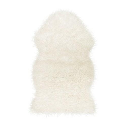 TEJN Tapis IKEA Ce tapis est doux et chaleureux. Il trouvera aussi bien sa place sur le sol ou posé sur un fauteuil.
