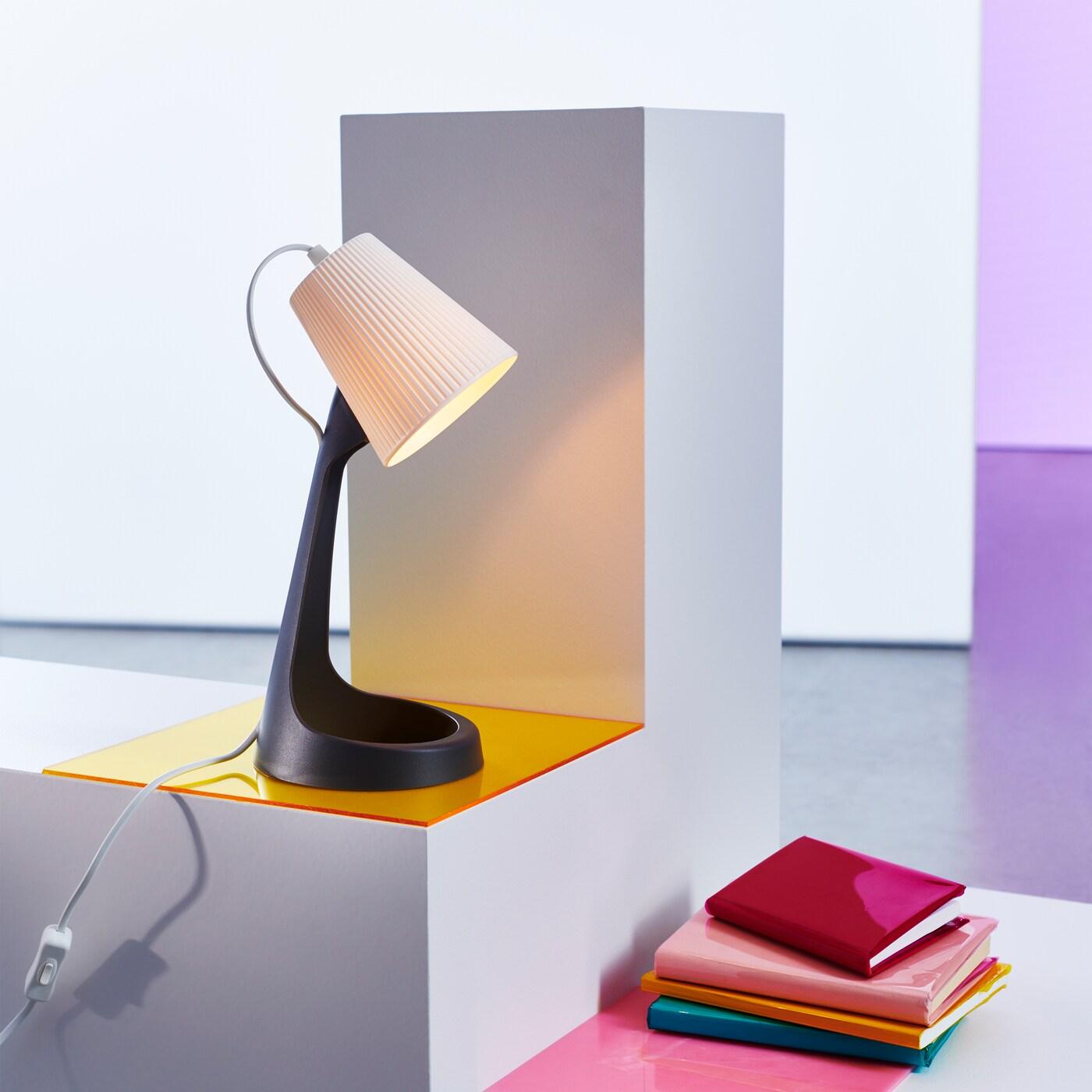 Une Lampe De Travail Très Stylée Ikea