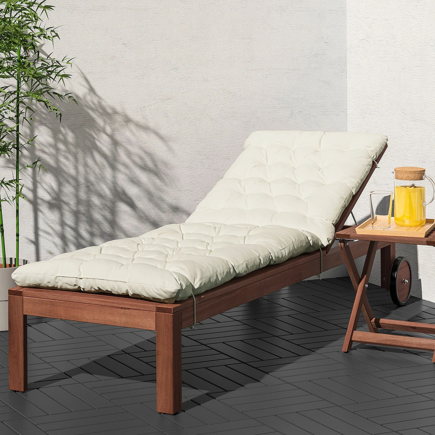 applaro chaise brown stained