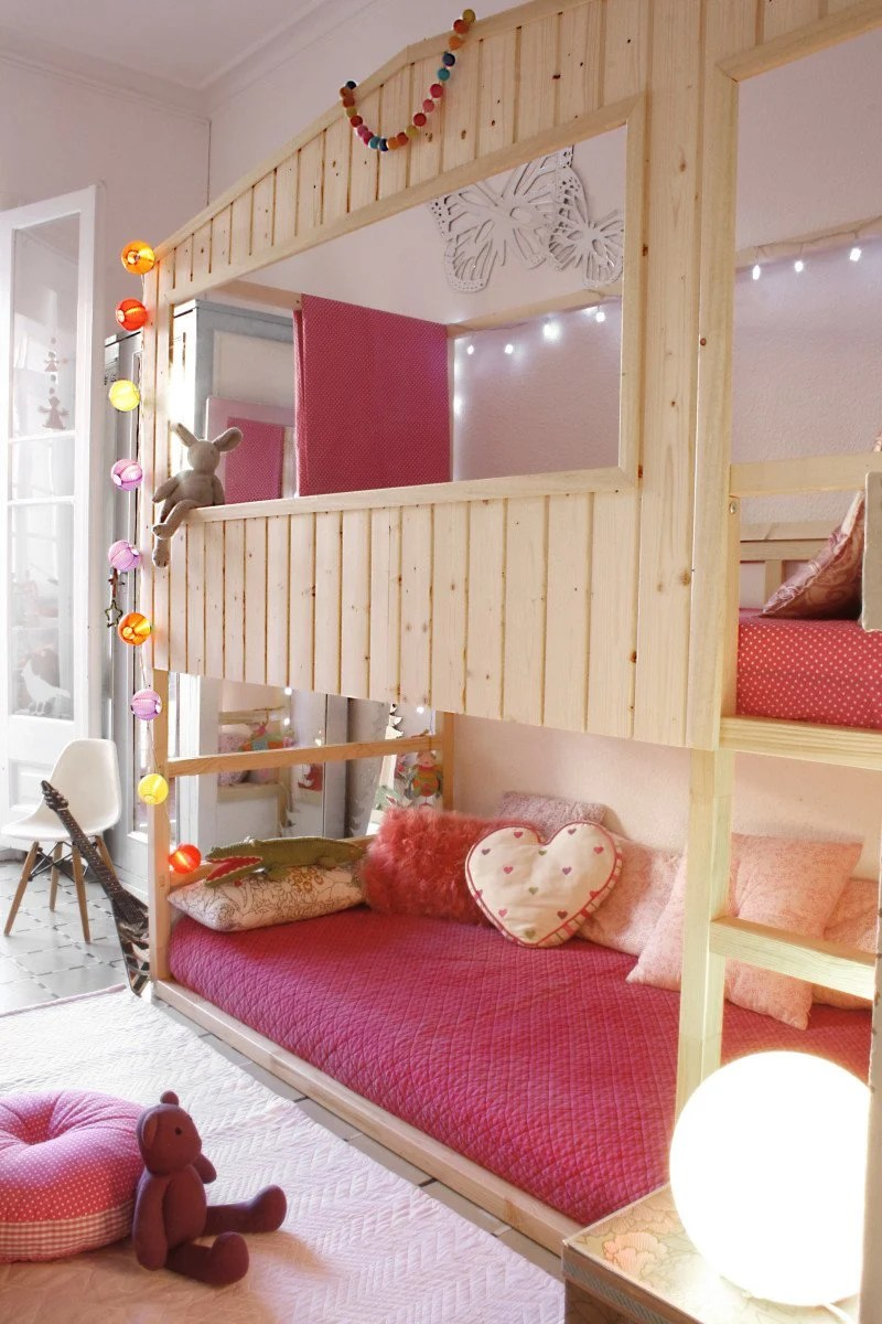 DIY: Wood house with Kura beds