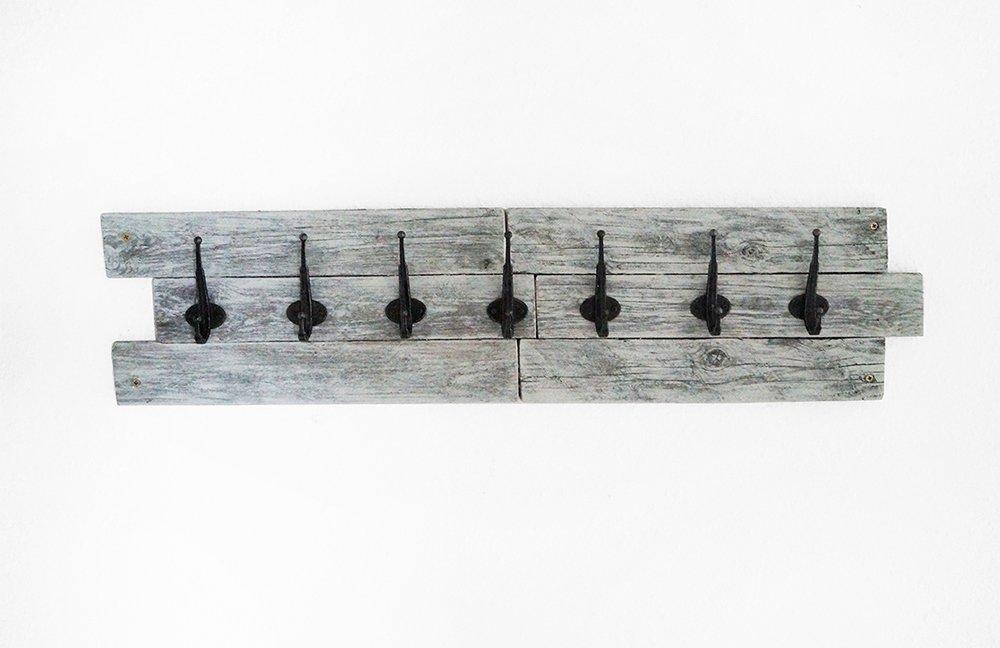 wooden pallet coat rack DIY
