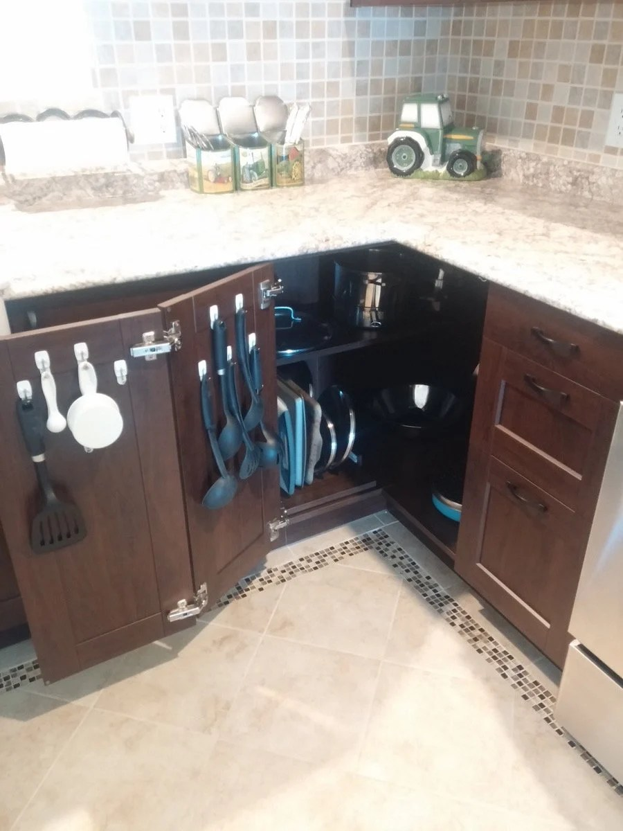maximising the kitchen corner cabinet. Black Bedroom Furniture Sets. Home Design Ideas