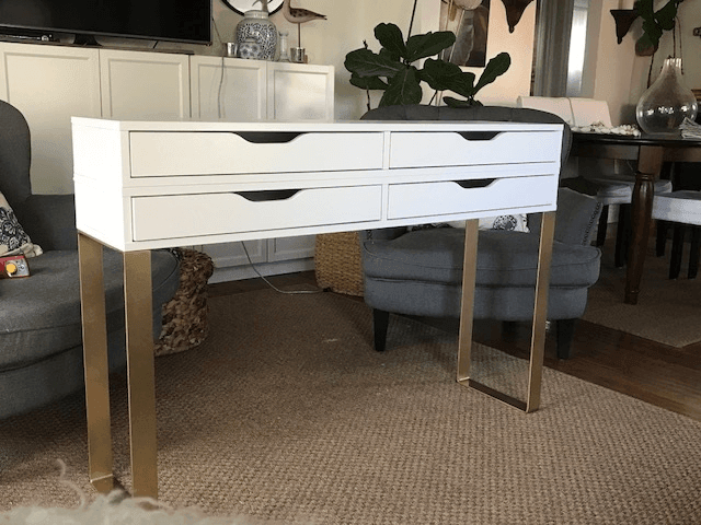Top 10 IKEA hacks of 2017 - Modern Makeup table