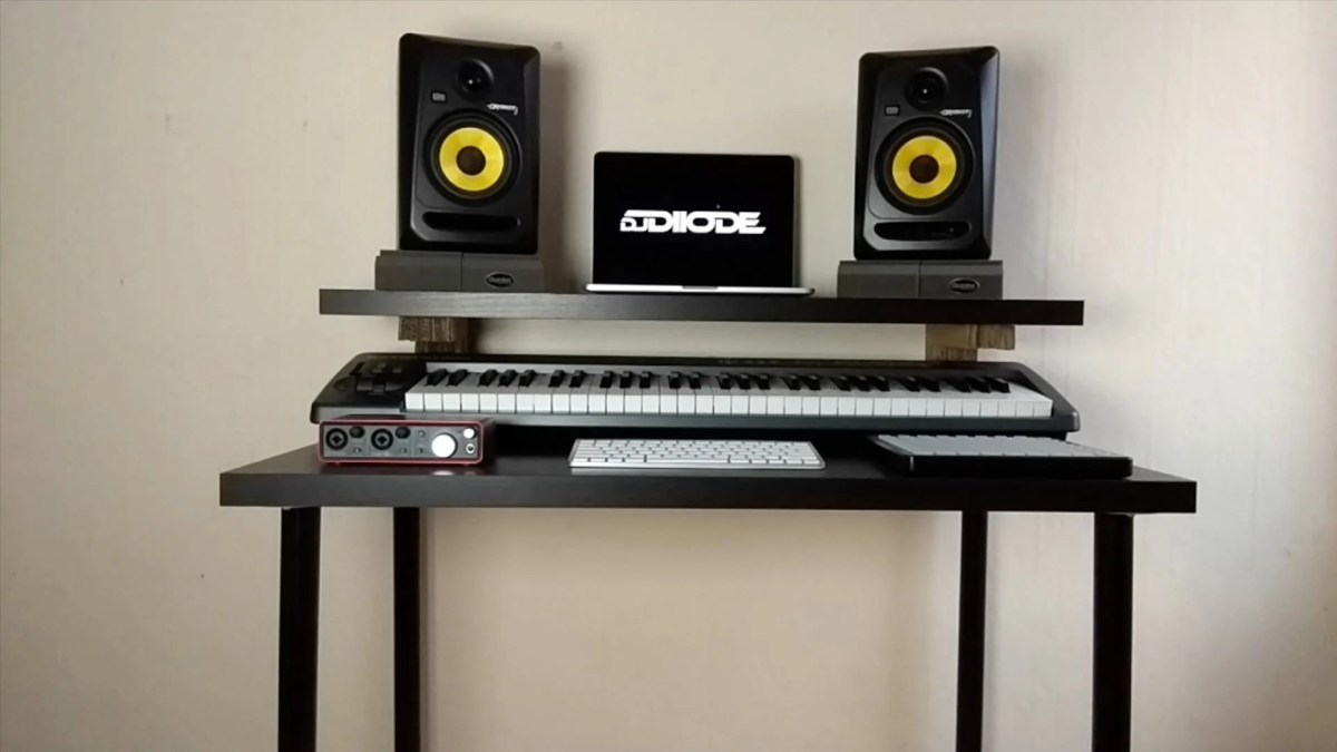 Music Producer Desk : make a music production desk with only 40 pounds ikea hackers ~ Russianpoet.info Haus und Dekorationen