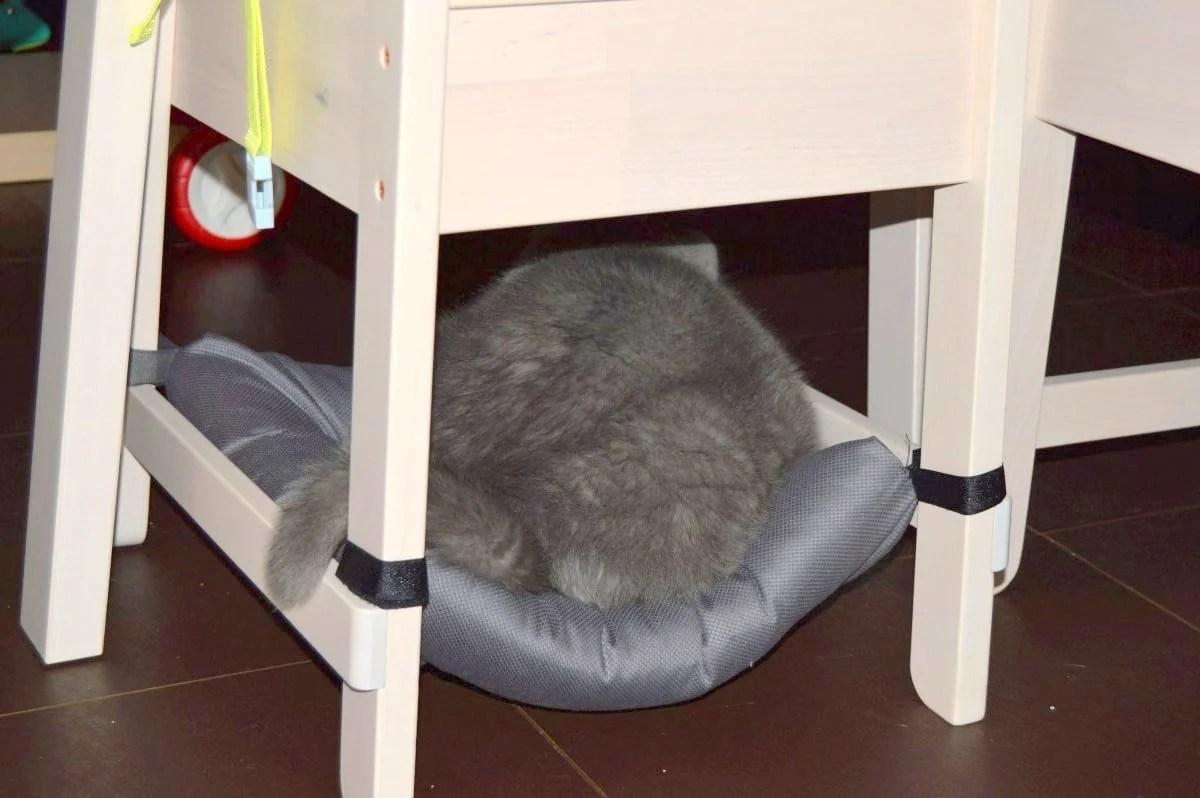 Cushy cat chair hammock