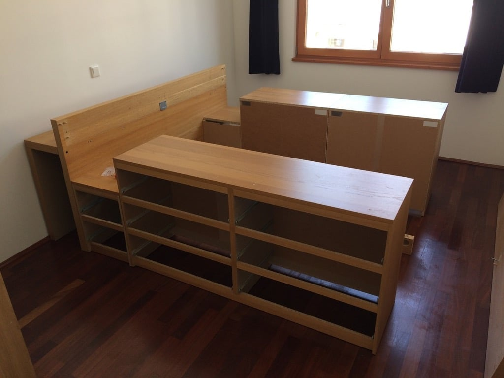 Storage Bed That S Roomy Enough For Your Entire Wardrobe