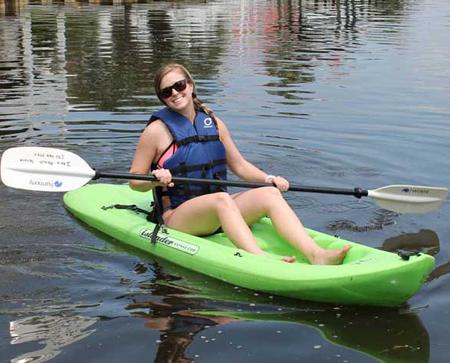 Beach Equipment Rentals - single-kayak-rental-Ikes-Beach-Service