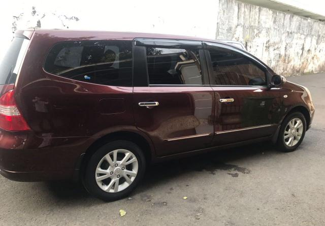 On road price of nissan livina starts from idr 224.30 million, today september 20, 2021, check hottest promos with tdp as low as rp 21,64 juta, emi rp 5,18. Jual Grand Livina Ultimate 1.5 AT 2011 Merah Maroon - IklanDB