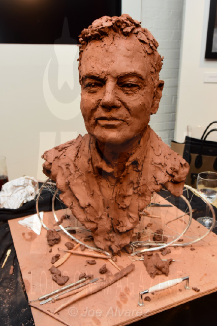Eamonn Holmes sculpture at Frances Segelman Live Sculpting Event © Joe Alvarez