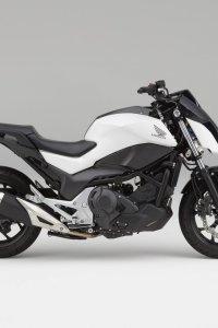 honda-self-balancing-motorcyle-transport-design-vehicles-motorcycles_dezeen_2364_col_0-1704x1704