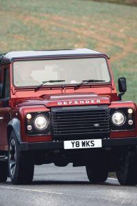 LAND ROVER DEFENDER V8 – 70TH EDITION