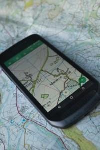 Land Rover Phone Explore outside_4001