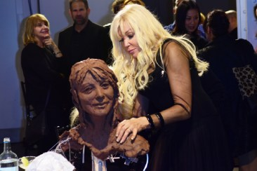 Debbie Moore OBE sculpting by Frances Segelman © Joe Alvarez