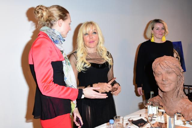 Tamara Orlova-Alvarez, Frances Segelman Debbie Moore OBE sculpting by Frances Segelman © Joe Alvarez