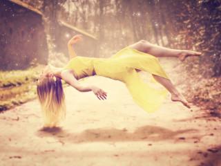 Anna / Levitation