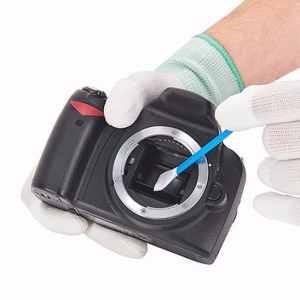 Čišćenje senzora na foto aparatu štapićem