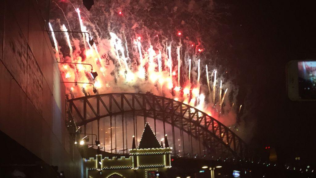Fireworks New Years Eve Sydney Harbour Bridge